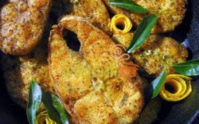 Amur na česneku s bramborem a dušenou zeleninou
