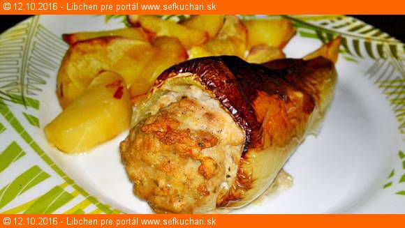 Pečená paprika plnená mäsovou náplňou s údenou mletou paprikou
