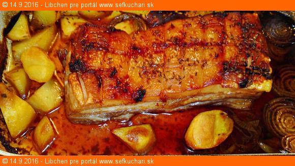 Pikantný pečený bravčový bôčik so zemiakmi