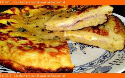 Plnený zemiakový koláč so syrom a šunkou